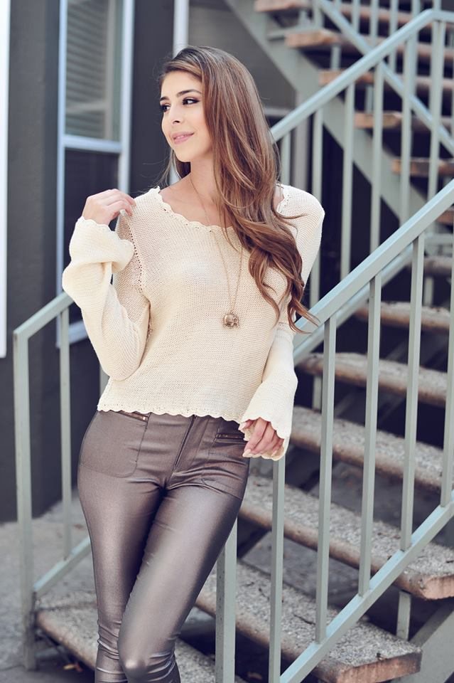 SCALLOP BELL SLEEVE SWEATER