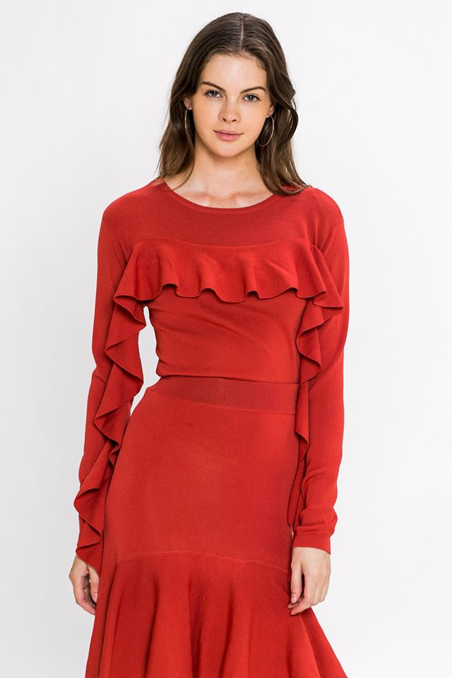 RUFFLE DETAILED SLEEVES