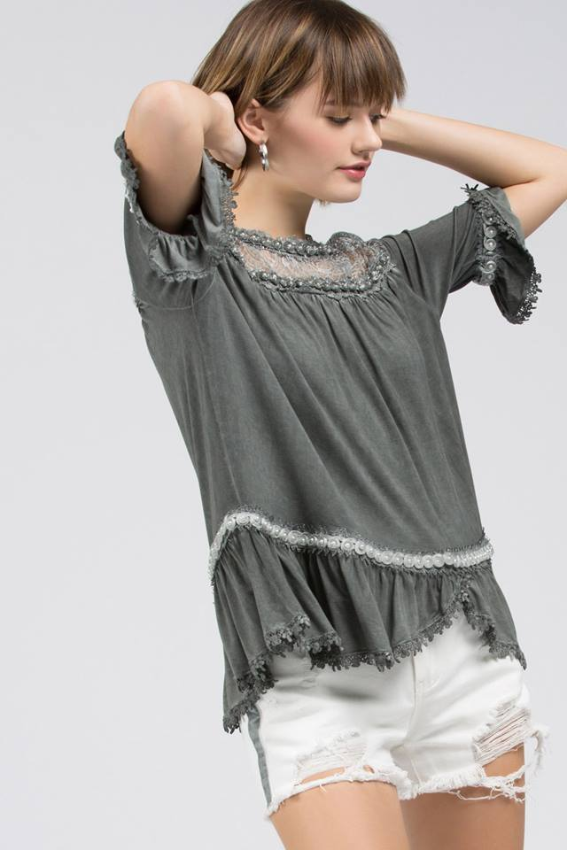DETAIL LACE TOP